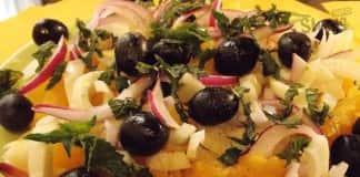 салат пикантный - апельсины + оливки + лук