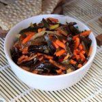 Салат из морской капусты и моркови по-корейски-
