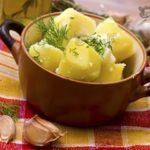 Варить картошку под крышкой или без