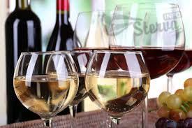 Выливать ли из бутылки недопитое вино