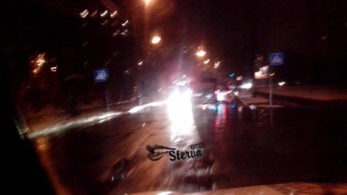 Как видит водитель в дождливую погоду ночью
