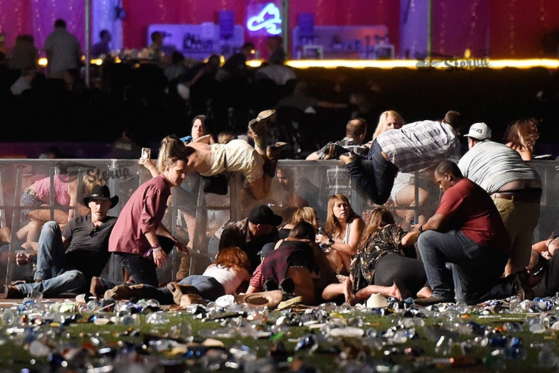 обстрел кантри-фестиваля в Лас-Вегасе-min