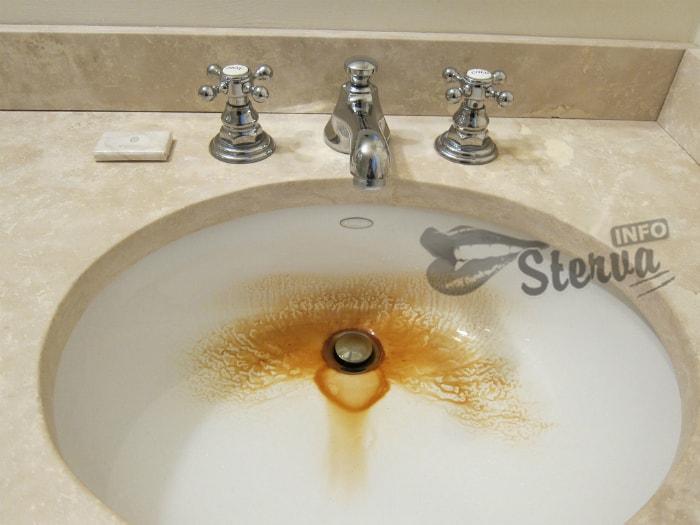 Грязная ванная комната