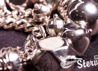 Узнай, почему чернеет серебро