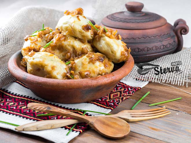 Блюда на Масленицу Вареники с картошкой на пару
