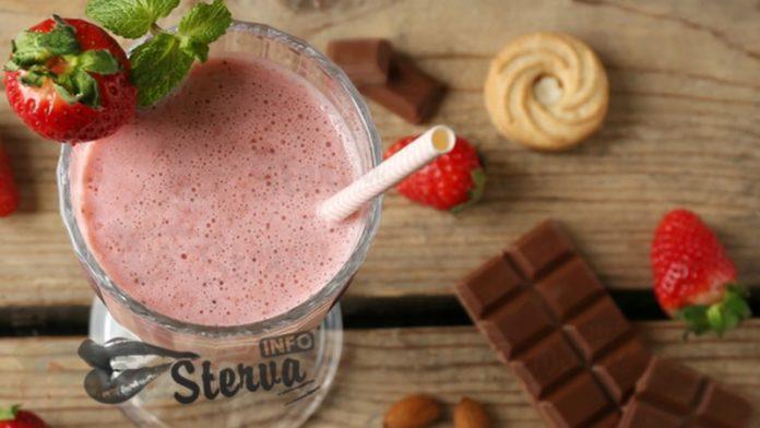 Молочный коктейль рецепт с клубникой и шоколадом