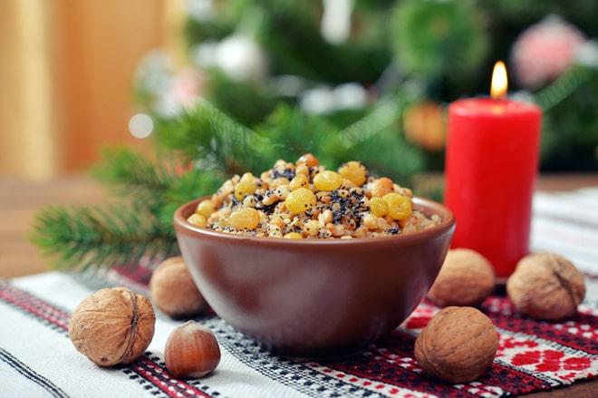 Кутья из пшеницы с медом, изюмом и орехами